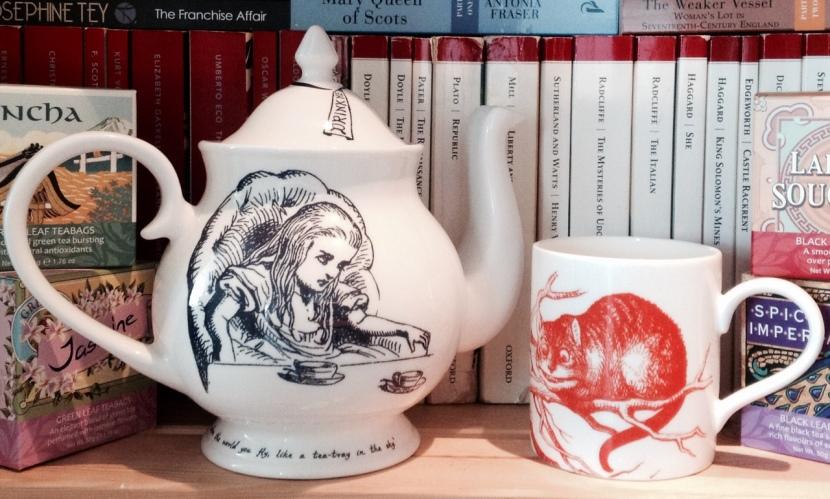 Whittard Alice In Wonderland Teapot